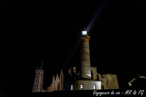 """Une lumière dans la nuit • <a style=""""font-size:0.8em;"""" href=""""http://www.flickr.com/photos/151667760@N04/26405761139/"""" target=""""_blank"""">View on Flickr</a>"""