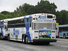 Xpress 4053 (TheTransitCamera) Tags: cobblinc cct cobbcommunitytransit publictransit transportation transport travel bus system network fixedroute marietta georgia operations xpress4053 georgiaxpress xpress grta commuter coach motorcoach motorcoachindustries mci d4500 2017motorbussocietyconvention