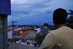 vista da cidade (medeirosisabel16) Tags: sky street rua cidade city people pessoa house casa guaratingueta homem evening darkening anoitecendo escurecendo fim de tarde night luzes light cabos cable fiação tree árvores