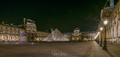Louvre at night (Henk Verheyen) Tags: parijs paris autumn city herfst stad louvre night nightphoto nacht nachtfotografie plein square museum france frankrijk