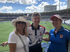 Australia 2017 - The Ashes test (chris wright - hull) Tags: australia ashes cricket magellan thegabba brisbane chris chriswright janetdulling janetwright janet stephanie stephaniewright wright