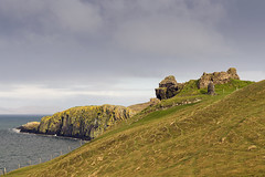 Duntulm Castle (syf22) Tags: castle isleofskye scotland ruins old abandoned clifftop