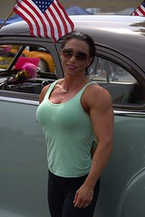Strong Woman (Scott 97006) Tags: woman female lady muscles bodybuilder smile shades