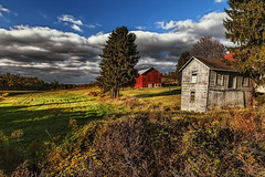IMG_9427tzl2scTBbLGER (ultravivid imaging) Tags: ultravividimaging ultra vivid imaging ultravivid colorful canon canon5dmk2 clouds landscape fall autumn autumncolors scenic farm fields barn evening pennsylvania pa sky painterly oldbuilding stormclouds