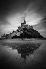 Réflection-02 (tof-lo62) Tags: noir et blanc black white mont saint michel bretagne brittany france moutons ciel sky landscape reflet reflection
