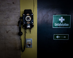 emergency call (andre.pester) Tags: berlin deutschland de tempelhof flughafen airport phone historic dial ambulance