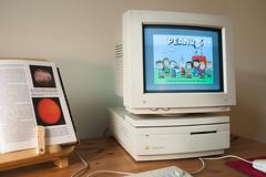 Macintosh IIsi (Born_In_6502) Tags: retro retrocomputing retrocomputers oldcomputers vintagecomputers vintagecomputing beautyshots podstawczynski adampodstawczynski