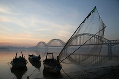 net (PawL23) Tags: sagaing asia ayeyarwady irrawaddy fishingboat newavabridge myanmar burma silhouette reflection bluehour dawn sunrise