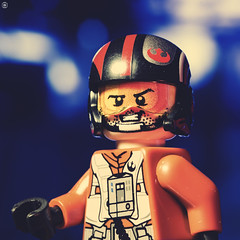 Rebel Pilot (Jezbags) Tags: lego legos toy toys macro macrophotography macrodreams macrolego canon60d canon 60d 100mm closeup upclose starwars pilot rebel smile cheeky bokeh