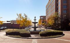 River Walk Fountain (ep_jhu) Tags: augusta autumn x100f georgia fountain riverwalk water fuji thanksgiving agua ga fall fujifilm circle