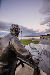 2017 -52-week-46 (old_hippy1948) Tags: statue monument ttvernonsmith wolfville harbor