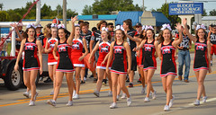 Bringing some cheer (radargeek) Tags: 2016 mustangwesterndaysparade mustang oklahoma ok football cheerleaders highschool parade lollipop waving