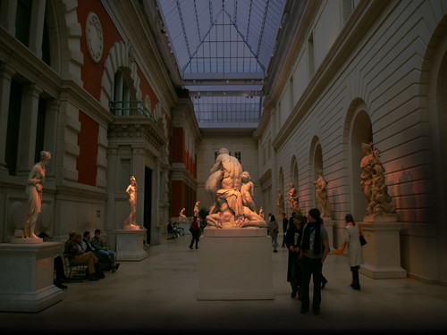 "Museo Metropolitano de Arte  Nueva York, EUA • <a style=""font-size:0.8em;"" href=""http://www.flickr.com/photos/30735181@N00/38897292411/"" target=""_blank"">View on Flickr</a>"