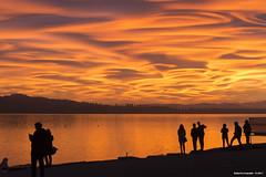 Emozioni condivise (roby22-1-1950) Tags: lago rosso varese nuvole