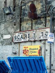 20171028-245 (sulamith.sallmann) Tags: sprache zeichen blau blue garbage italia italien italienisch italy müll müllcontainer mülltonne palermo signs sizilien symbol typo it