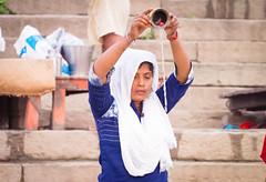 Offerings to the Ganges...India 2017 (geolis06) Tags: geolis06 asia asie inde india uttarpradesh varanasi benares gange ganga pelerin pilgrim pelerinage pilgrimage hindu hindou offering priere prayer inde2017 olympus olympusm75300mmf4867ii