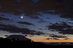 New Crescent and Saturn (brucetopher) Tags: skies sky night nightsky celestial dark darkness lunar moon sliver crescentmoon oldmooninthenewmoonsarms newmoonintheoldmoonsarms astronomy astronomical saturn mercury planet planets blue