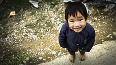 Hey you! (voxpepoli) Tags: nakhê hàgiang vietnam vn child bambino smile happyface street sorriso portrait