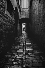 Split, Croatia (pas le matin) Tags: walkway wall street road monochrome alley rue ruelle travel world voyage croatia croatie split city ville pavés bw nb noiretblanc cobblestone blackandwhite cityscape perspective canon 7d canon7d canoneos7d eos7d hrvatska