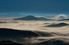 IMGP6379 (TomaszMazon) Tags: mountains beskidy moonlight moonset clouds fog poland