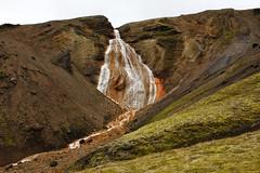 Rauðufossar (Freyja H.) Tags: iceland rauðufossar rauðufossakvísl fjallabak landmannalaugar landmannahellir landscape waterfall mountain mountainside moss red mineral rock