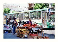 (Miguel E. Plaza) Tags: olympus om1 streetphotography argentina analogphotography analog filmphotography filmcamera film 35mm frutas bus colectivo proimage