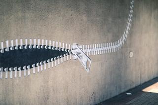 Zipper mural