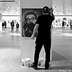 DSCN4525 (Akbar Simonse) Tags: alphen holland netherlands nederland people man photo candid streetphotography straatfotografie inside exposition tentoonstelling zwartwit bw blancoynegro bn monochrome vierkant square akbarsimonse