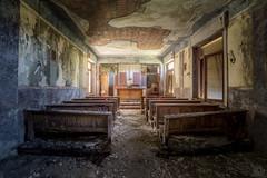 Manicomio di P (Emeuh-Bru) Tags: manicomiodip urbex urbanexploration explorationurbaine lost abandonné abandoned chapelle italia italie nikond7200 tamron1024