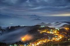 隙頂 ~雲瀑傳說~ cloudfalls (Shang-fu Dai) Tags: 台灣 taiwan 嘉義 番路 隙頂 二延平步道 傳說路 moonlight 月光 月光雲海 clouds 雲瀑 nikon 阿里山 alishan xinding fog landscape formosa afs24120mmf4 d800e