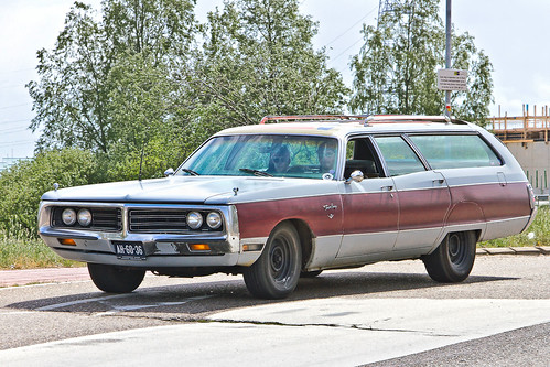 Chrysler Town & Country Station Wagon 1972 (1654)