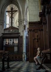 Contemplation (Abbaye de St Riquier) (Tormod Dalen) Tags: picardie église church gothic gothique striquier anna smcpentax2835