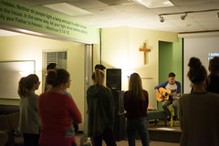 1119_HS_youth_group_27 (Holy Cross SC) Tags: jakewillis sullivansisland highschool youthgroup 2017 si hs november students teaching youth