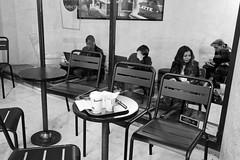 Du lait et du café (Paolo Pizzimenti) Tags: café lait bar brocante femme gens autre paris paolo olympus zuiko 17mm 25mm f18 film pellicule argentique m43 mirrorless doisneau