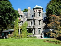 2017.09.23-13.03.37 (Pak T) Tags: castle house lowell panasonic1235mmf28 stone