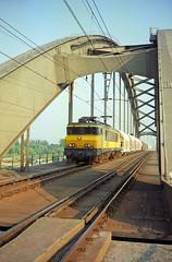 NS 1603 + drie produkten trein  - Culemborg (Rene_Potsdam) Tags: nederlandse spoorwegen 1600 culemborg railroad