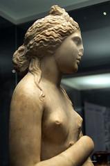 Afrodita (wsrmatre) Tags: greek grec griego antigüedad antiquité antiquity greece grèce grecia wsrmatre ericlopezcontini wsrmatrephotography museum museo musée caixaforum escultura sculpture art arte