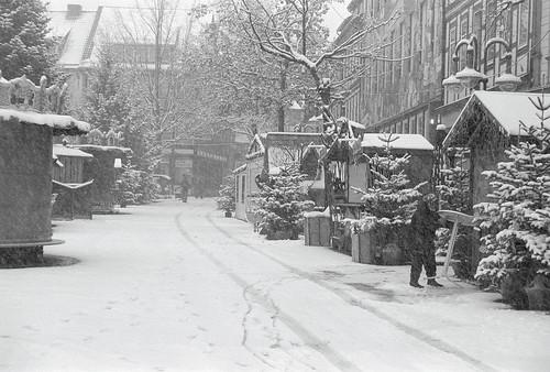 Weihnachtsmarkt am Morgen II