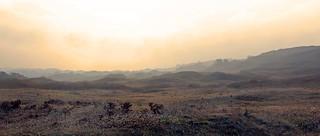 Lever de soleil brumeux dans la baie des Trépassés - enlarge please to appreciate more