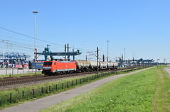 2016-08-25_023 DBC 198 067 Waalhaven Rotterdam (Peter Boot) Tags: cargo dbc waalhaven rotterdam dbc189067 189067 nederland havenspoorlijn eloc goederenvervoer goederentrein ketelwagen ketelwagentrein trein propyleenoxide styreen spoor spoorwegen
