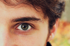 (giuliacristini1) Tags: people friend man hombre uomo ragazzo boy guy look looking mirar mirando guardare vedere sgaurdo orizzonte horizon foto pic photo eye occhio ojo pupilla macro iride