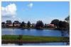 Casas a orillas del Río Klara, Karlstad (Suecia) -  Ruta: Estocolmo - Lillehammer (Noruega) E18 (Guijo Córdoba fotografía) Tags: escandinavia suecia sweden karlstad ce guijocordoba nikond7100 nikonflickraward flickrtravelaward theperfectphotographer autofocus paisaje árbol hierba cielo sky nubes clouds agua río parque casas