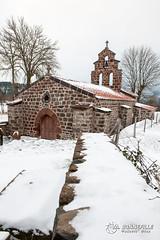 Chapelle Montbonnet (Nito43) Tags: chapelle montbonnet edifice religieux culte croix neige paysage landscape chemin stjacquesdecompostelle hauteloire auvergne france