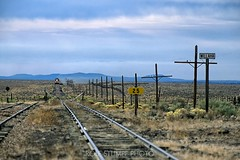 Grand Canyon Railway at Willaha (rolfstumpf) Tags: usa arizona grandcanyonrailway desert arid railway railroad tracks passengertrain sign telegraph trains willaha