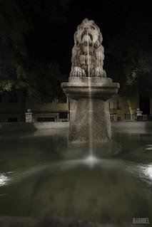 Fuente de leon II recorte