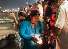Worship for the Ganges...India 2017 (geolis06) Tags: geolis06 asia asie inde india uttarpradesh varanasi benares gange ganga pelerin pilgrim pelerinage pilgrimage hindu hindou offering priere prayer gangaaaarti inde2017 olympus