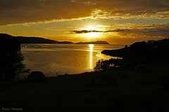 Gold (♥ Annieta ) Tags: annieta juli 2017 sony a6000 holiday vakantie england scotland uk greatbritain skye shieldaig isle island eiland sunset zonsondergang goud gold campsite view uitzicht zee sea water allrightsreserved usingthispicturewithoutpermissionisillegal lucht hemel bej ybs2017