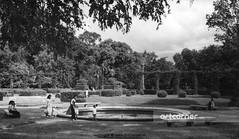 Tao Đàn Park - Công viên Tao Đàn - Sài Gòn - 1957 (Nguyen Ba Khiem) Tags: 1950s 1957 hìnhảnhxưa việtnam việtnamxưa sàigòn sàigònxưa nguyễnbámậu phongcảnh côngviên taođàn trẻem nước áodài