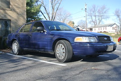 Stephens City Police Department (Emergency_Spotter) Tags: ford fleet stephens city police department crown victoria alloy hubcaps single spotlight black hexagon navy blue equipment grille lights cop cops rwd art america camera scenery plastic body frame dept profile side view