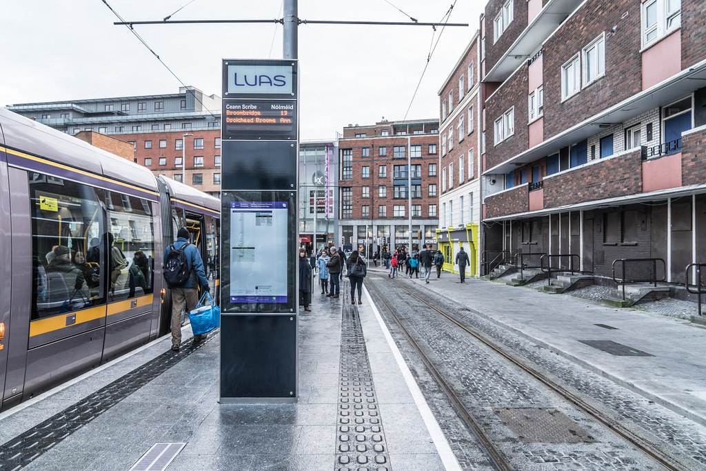 THE LUAS CROSS-CITY TRAM SERVICE CAME INTO OPERATION TODAY [LOWER DOMINICK STREET STOP]-134390